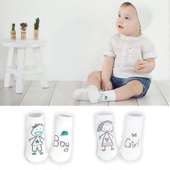 Baba fiú és lány rajzolt zokni