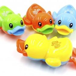 Felhúzható vízi állat - evező fürdőjáték