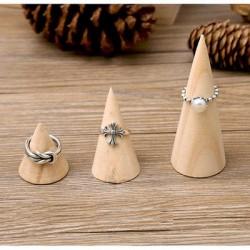 Fából készült gyűrű - tartó kúpok