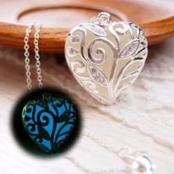 Szív alakú világító nyaklánc