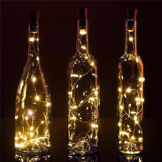 Boros palack dugó meleg színű led fényfüzérrel