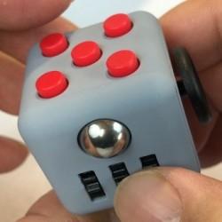 Stresszoldó kocka - fidget cube